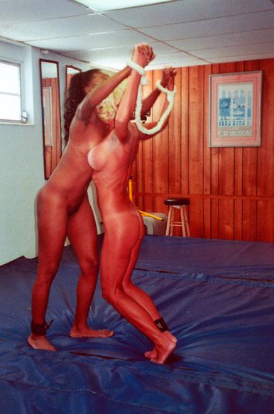 ..Womans World Wrestling Videos Online..